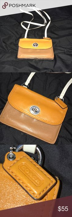 Coach Wallet side body Very good condition Coach Bags Crossbody Bags