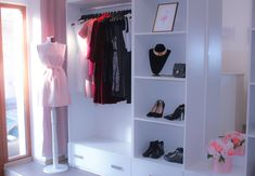 Blush pink interior, white furniture, roses and pretty clothes. Fashion and style for the prettiest girls in town. High heels, black sneakers, pink flamingos & so much more. Pretty Clothes, Pretty Outfits, Black Sneakers, White Furniture, Pink Flamingos, Visual Merchandising, Pretty Girls, Blush Pink, High Heels