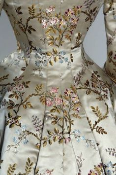 Victorian silk brocade and silk satin dinner dress with lace detail by House of Pingat [French], c. 1878 {detail of silk brocade} Amelia loves her silks and satin and detailed embroidery, as do we!