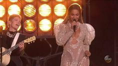 CMAs 2016: Beyonce Performs 'Daddy Lessons' with the Dixie Chicks