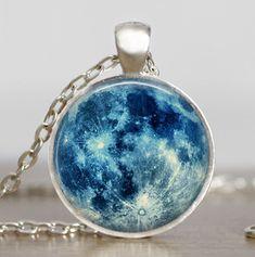 Collar de luna azul luna llena joyas colgante por starmekcreations