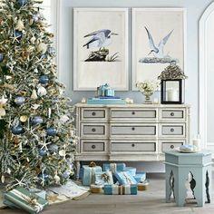Coastal Christmas , Turquoise, Christmas and Bliss! Blue Christmas, Turquoise Christmas, Beach Christmas, Beautiful Christmas, Christmas Home, Christmas Holidays, Christmas Trees, Family Holiday, Tropical Christmas