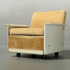 Located using retrostart.com > Program 620 Lounge Chair by Dieter Rams for Vitsoe