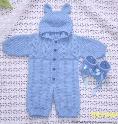 Romper Suit, Baby Jumpsuit, Baby Sweater Patterns, Baby Knitting Patterns, Crochet For Kids, Crochet Baby, Baby Pullover Muster, Modern Baby Furniture, Baby Boy Knitting