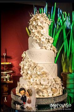 Bolo de casamento #festbolos #weddingcake