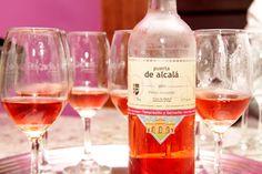 Nuevo lugar para compartir con amigos, Pekados Gourmet Wine, Drinks, Bottle, Gourmet, Venezuela, Lifestyle, Friends, Drinking, Beverages