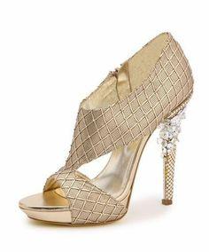 zapatos de fiesta y zapatos de novia. No os lo perdais. Entrada