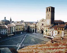Lodi, piazza della vittoria