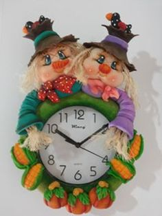 reloj Polymer Project, Biscuit, Diy And Crafts, Projects To Try, Clay, Christmas Ornaments, Halloween, Holiday Decor, Pattern