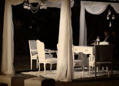 #bodaaleyfabi #gold #dorado #ambientacion #decoracion #ceremonias #mueblesdeestilo #vintage #lalunaenpuntasdepie