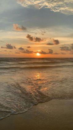 Beach Sunset Wallpaper, Scenery Wallpaper, Nature Wallpaper, Wallpaper Backgrounds, Sunset Beach, Sunrise And Sunset, Mountain Sunset, Wallpaper Quotes, Nature Aesthetic