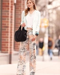 Linen Blazer, Diamond Tee & Printed Wide Leg Pants by Rebecca Taylor at Neiman Marcus. Unique Outfits, Chic Outfits, Beautiful Outfits, I Love Fashion, Fashion Tips, Fashion Beauty, Pantalon Cigarette, Office Outfits, Work Outfits