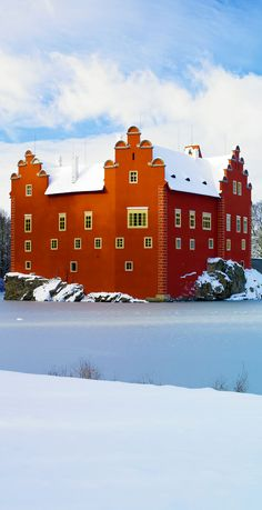 The 20 Most Stunning Fairytale Castles in Winter AmonGraf Beautiful Castles, Beautiful Places, Prague Czech Republic, Fairytale Castle, Central Europe, Scenery, Places To Visit, Around The Worlds, Winter