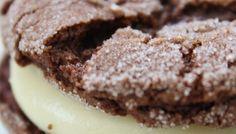 Cake Mix Cookies: Chocolate Sandwich Cookies with Cream Cheese Filling Cream Cheese Cookies, Cream Cheese Filling, Cake With Cream Cheese, Cookies Et Biscuits, Cream Cake, Super Moist Chocolate Cake, Chocolate Cake Mix Cookies, Cake Cookies, Yummy Cookies
