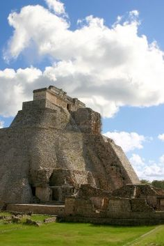 Uxmal - Main round pyramid on mayan site over sky Mayan Ruins, Ancient Ruins, Tikal, San Salvador, Central America, South America, Ancient Civilizations, Ancient Artefacts, Maya Civilization