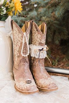 Bride Boots, Wedding Cowboy Boots, Cowboy Weddings, Western Weddings, Barn Weddings, Outdoor Weddings, Country Weddings, Western Wedding Ideas, Country Wedding Photos