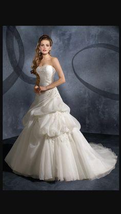 ¡Nuevo vestido publicado!  Madeline Gardner - T40 ¡por sólo $450000! ¡Ahorra un 53%!   http://www.weddalia.com/cl/tienda-vender-vestido-novia/madeline-gardner-t40/ #VestidosDeNovia vía www.weddalia.com/cl