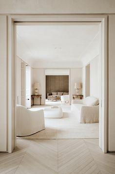 Living Area, Living Room Decor, Living Spaces, Home Wall Colour, Classic Living Room, Home Safes, Windows And Doors, Home Interior Design, Design Interiors
