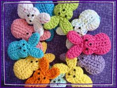 easter peeps pattern... gonna try to make a dozen or so for doodle by Sunday! Crochet, actually