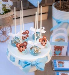 The cake pops at this Teddy Bear Baby Shower are so cute! See more party ideas … – Baby Shower Decor Baby Shower Oso, Teddy Bear Baby Shower, Baby Shower Cake Pops, Baby Shower Cakes For Boys, Baby Shower Desserts, Baby Shower Parties, Baby Shower Themes, Shower Party, Shower Ideas