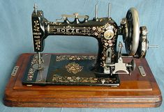 Bradbury Soueze - British Manufactures of the first Sewing Machines - An early version of the Soeze (sew easy) made in late 1898 or early 1899.