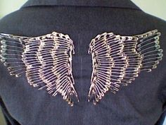 DIY Safety Pin Wings - 17 DIY Safety Pin Craft Tutorials - Safety Pins Life Hacks Source by pin crafts Safety Pin Art, Safety Pin Crafts, Safety Pin Jewelry, Safety Pins, Safety Fail, Food Safety, Safety Work, Lab Safety, Water Safety
