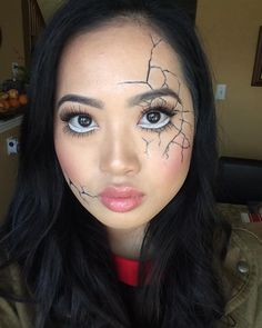 «Sephora's 10 Days of Halloween are back! Sad to say I'm not working for all of them.  Day 1: Doll/Ventriloquist/Dummy  Here's my cracked doll makeup!…»