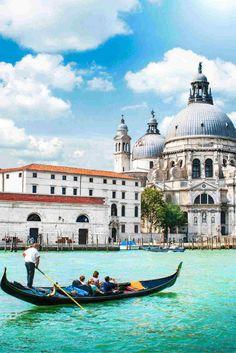 Ben jij toe aan gewoon een paar dagen Italië? Dat is heel logisch! Italië heeft natuurlijk waanzinnig veel mooie plekken! Dit keer ga jij lekker naar het mooie Veneto! Met de prachtige omgeving, de lekkerste gerechten en de mooiste steden ga jij je hier zeker niet vervelen! Het enige wat jij nog hoeft te bedenken is met wie je hier naartoe gaat en wat jij in je koffer gaat doen! https://ticketspy.nl/deals/3-heerlijk-genieten-in-het-mooie-italie-va-e199/
