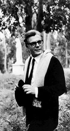 Marcello Mastroianni in 8½, 1963.