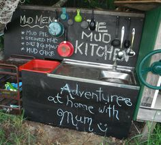 The mud kitchen! Adventures at home with Mum: The Mud Kitchen - A Recipe for marvellous Outdoor play Home Design, Diy Mud Kitchen, Kitchen Ideas, Pie Kitchen, Kitchen Decor, Outdoor Play Spaces, Outdoor Fun, Outdoor Ideas, Pretend Play Kitchen