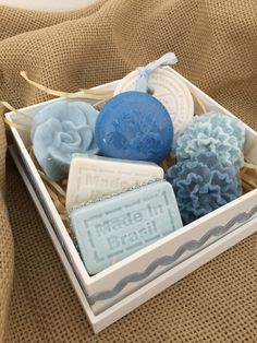 Homemade Soap Recipes, Homemade Gifts, Soap Packing, Green Soap, Diy Presents, Glycerin Soap, Spa Gifts, Home Made Soap, Handmade Soaps