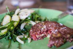 En ensaladas, guisos, marinada, picada, a la plancha y con todo tipo de salsas. Ideas para disfrutar de una buena ternera, más allá del típico filete.