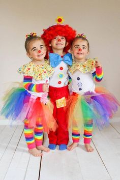i love the buttons! Diy Costumes For Boys, Twin Costumes, Homemade Costumes, Halloween Costumes, Matching Costumes, Clown Costumes Kids, Toddler Clown Costume, Circus Costume, Cute Clown Costume
