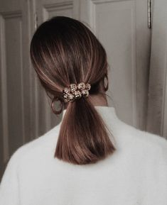 Terrific Images sleek Ponytail Hairstyle Popular A ponytail won't only should be a hair try on some towards gym. This specific versatile updo can be used an Hair Inspo, Hair Inspiration, Sleek Ponytail, Elegant Ponytail, Hair Ponytail, Quick Hairstyles, Fashion Hairstyles, Braided Hairstyles, Hairstyles 2018
