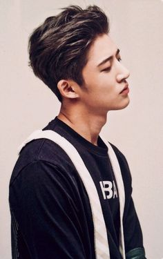 Find images and videos about kpop, Ikon and hanbin on We Heart It - the app to get lost in what you love. Kim Hanbin Ikon, Ikon Kpop, Bobby, K Pop, Bigbang, Seungri, Ringa Linga, Ikon Member, Ikon Debut