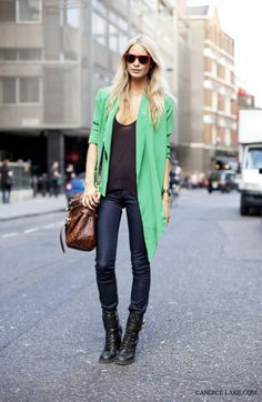This green blazer/sweater/jacket combo is EVERYthing. #green #blazer #sweater #jacket #coat #amaze #fashion