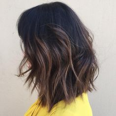 Textured lob cut with subtle balayage highlights. Perfect combo for Fall  book with me for your Fall look at @salon_sessions at 6267958856 #jandrewsernahair #balayage #balayagehighlight #pasadena #pasadenasalon #lobhaircut #lob #fallhaircolor #modernsalon #texture