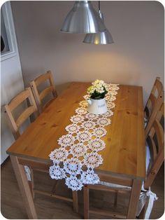 Crochet flower table runner,