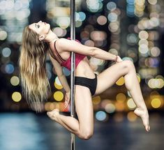 ideas pole dancing moves photography aerial hoop for 2019 Pole Dance Moves, Pole Dancing Fitness, Pole Fitness, Barre Fitness, Fitness Exercises, Dance Flexibility Stretches, Pole Dance Studio, All Body Workout, Pool Dance