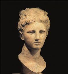 Testa di Apollo, prima metà del IVsec. a.C., Butrinto. Museo Storico Nazionale di Tirana