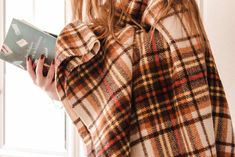 La Rapunzel dei libri (e non solo) Plaid Scarf, Outfit, Blog, Fashion, Outfits, Moda, Fashion Styles, Blogging, Fashion Illustrations