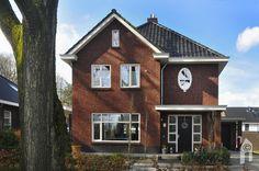 Selekthuis, een herenhuis naar eigen ontwerp - Eigenhuisbouwen.nl Holland House, Interior And Exterior, Beautiful Homes, Sweet Home, Villa, New Homes, House Design, Cabin, Architecture
