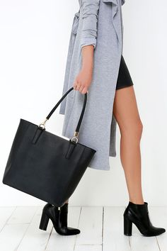 When you're a woman of the world, you need a bag that can keep up with you!