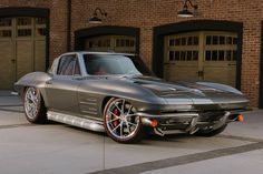 I want this LS3 powered '63 split window restomod. - TCG