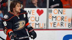TEEMU'S BACK  Teemu Selanne listened to the fans and inked a one-year deal with the Anaheim Ducks on Thursday. (Photo by Debora Robinson/NHLI via Getty Images)