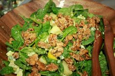Spinach, Blue Cheese and Pear Salad with candied Walnuts