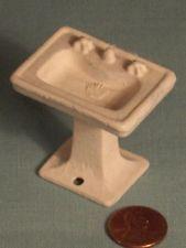 Vtg KILGORE MINIATURE CAST IRON PEDESTAL BATHROOM SINK Doll House Furniture