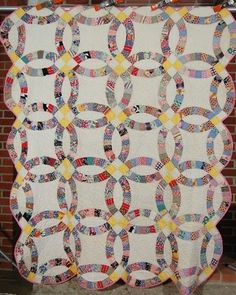 30's Vintage Hand Stitched Double Wedding Ring Antique Quilt ~NICE YELLOW!