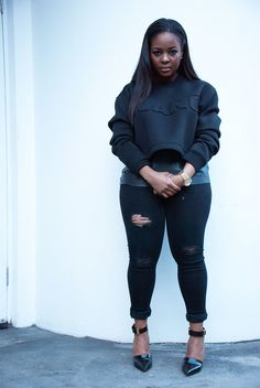 black women curves nobody likes Black Women Fashion, Girl Fashion, Plus Fashion, Womens Fashion, Plus Size Fashionista, Curvy Models, Layering Outfits, Look Chic, Types Of Fashion Styles