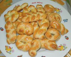 Easter Projects, Easter Crafts, Greek Cookies, Easter Biscuits, Greek Sweets, Greek Easter, Easter 2021, Pizza, Greek Recipes